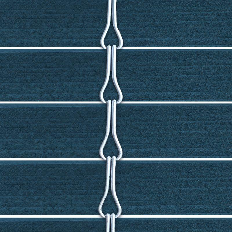 Persiana alicantina de madera acabado tintado azul