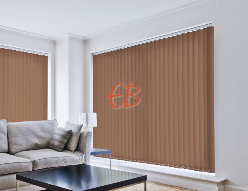 cortina vertical traslucida lumen color marrón oscuro