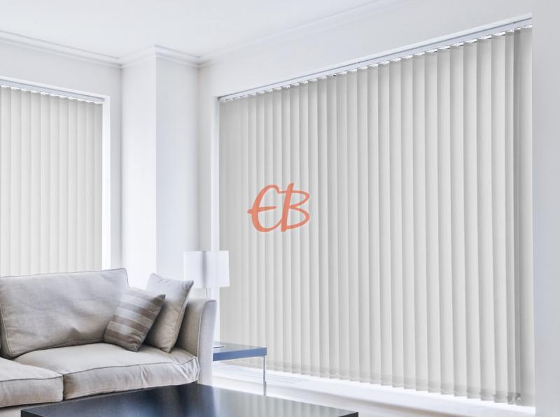 cortina vertical loneta resinada resistente color gris