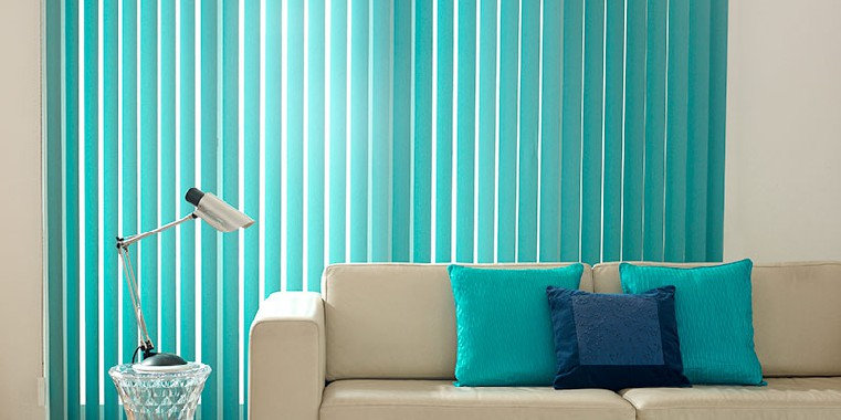 cortina vertical azul