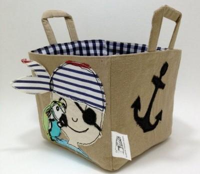 cesto ropa pirata