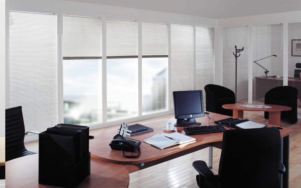 persiana veneciana oficina