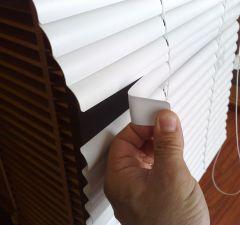 Persiana Veneciana PVC indeformable de 25 mm